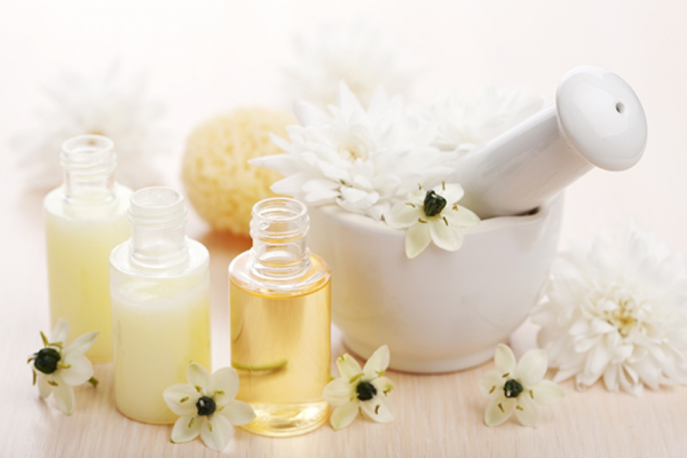 detailed pictures look out for new cheap Un massaggio con gli oli essenziali per prendersi cura di sé ...